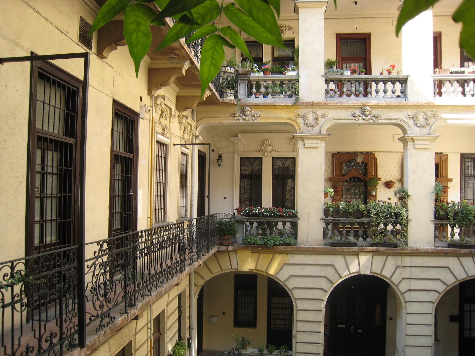 Authentieke ervaring van wonen in een stad geeft doorslag belvilla vakantiehuizen - Een doorslag ...